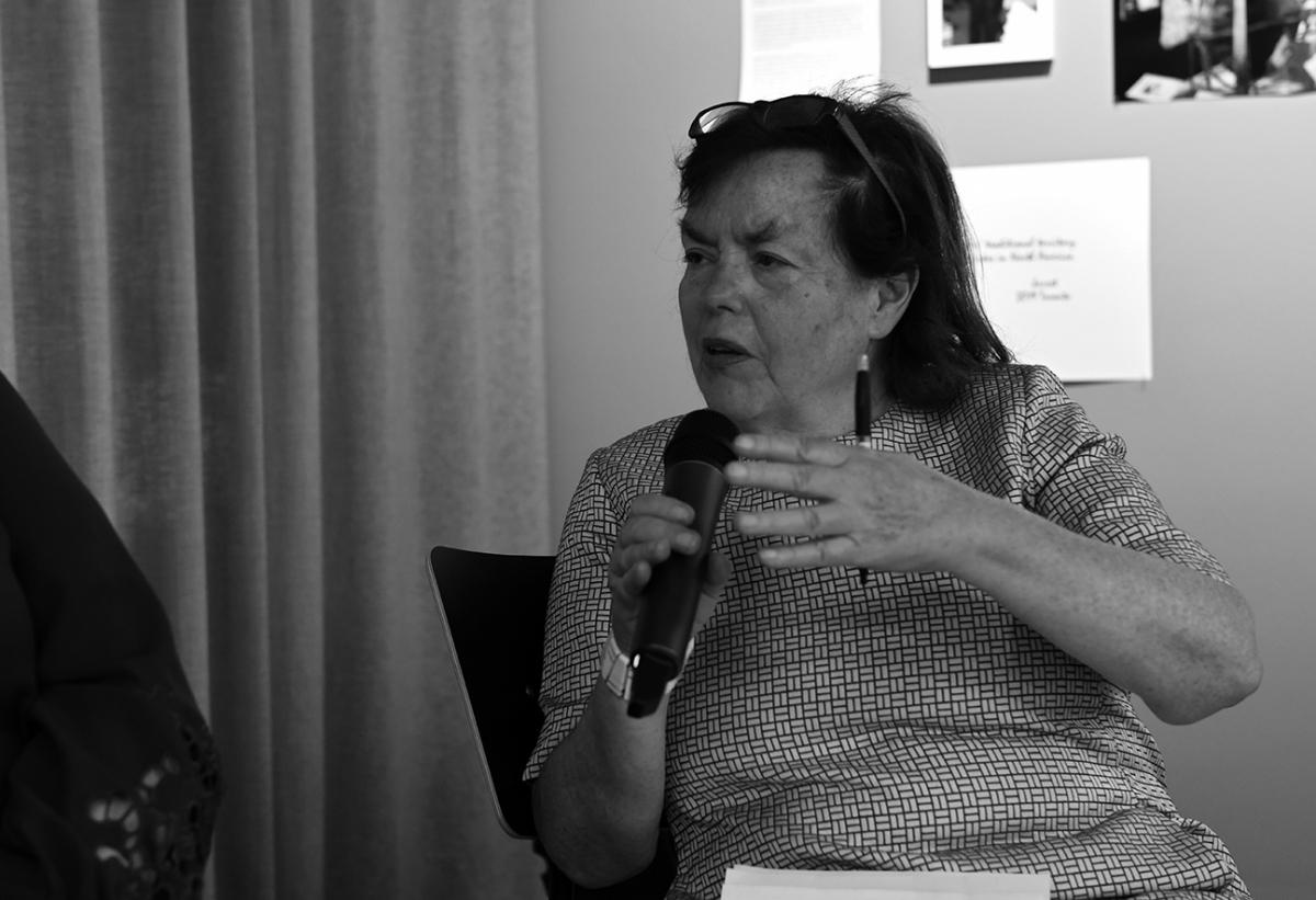 FOTO MATINEE – Die Journalistin MARGIT MIOSGA (u.a. rbb-Kulturradio) diskutiert mit ihren Gästen über die Hintergründe unserer aktuellen Ausstellung. Immer sonntags, immer um 11 Uhr vormittags, immer kostenfrei. www.fhochdrei.org.